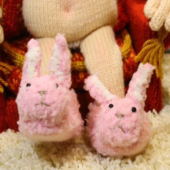 Barbara's Bunny Slippers Knitting Pattern - Download